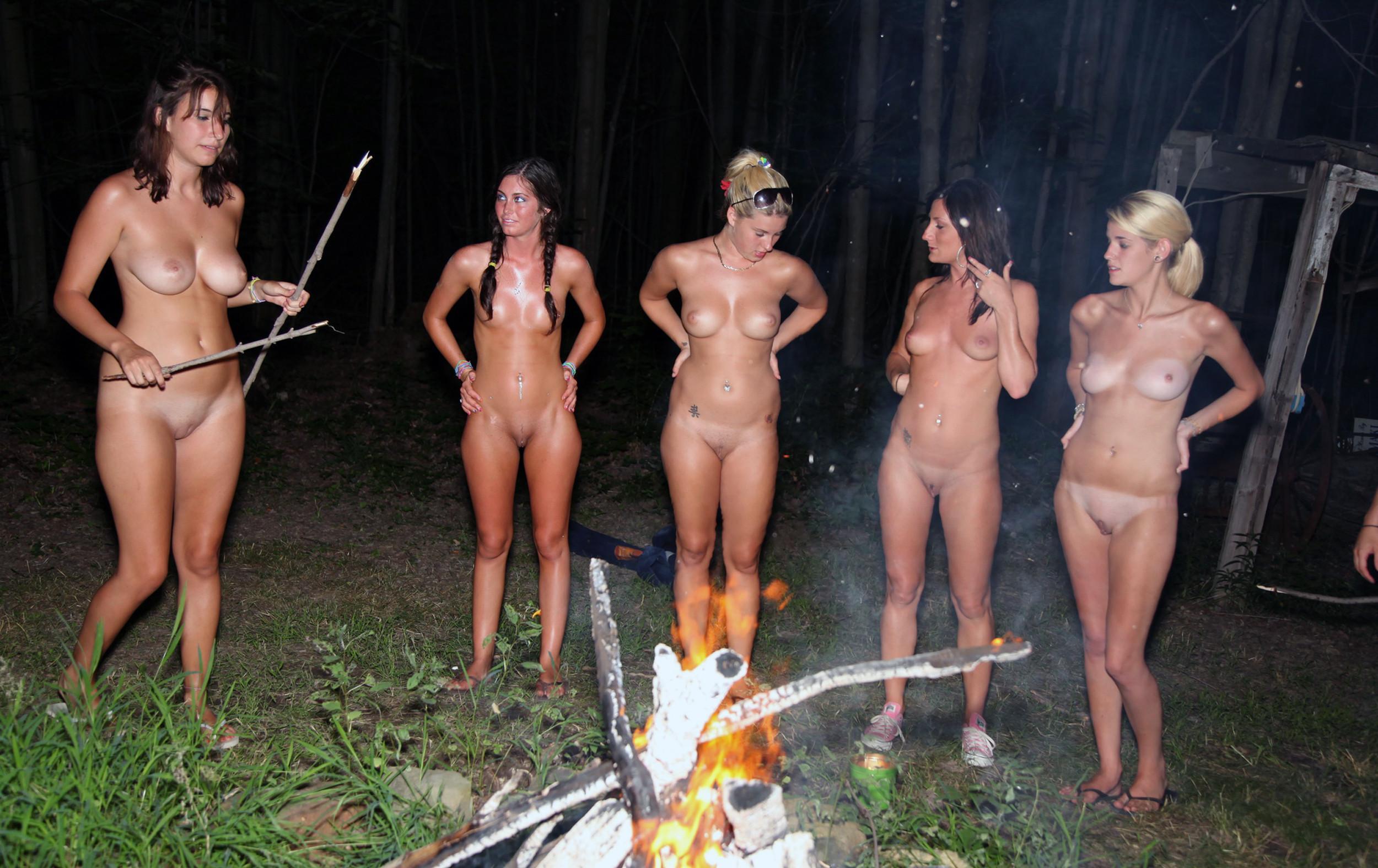 groups of girls flashing vagina