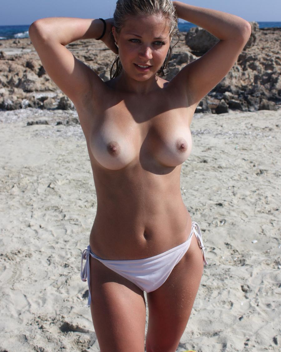 pic of Anne has beautyful tanlines
