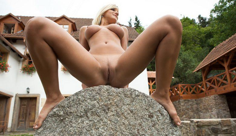 pic of Liberty a farmers daughter getting kinky on her dads property