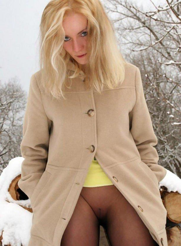pic of Virginia went on a winter walk without panties